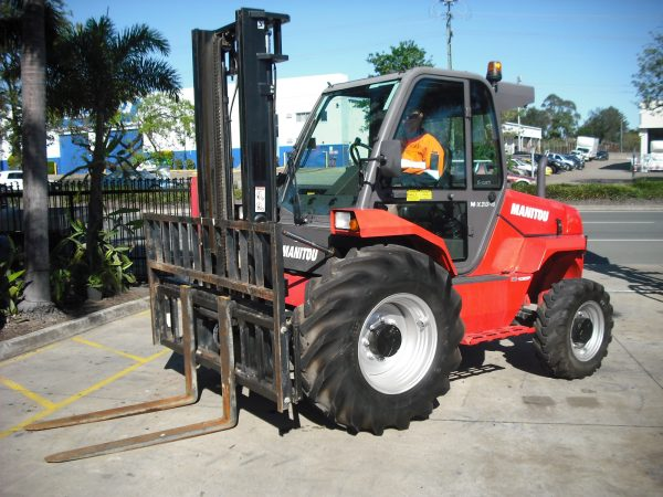 Manitou MX 50-4 Forklift 3.7m Unit 811, Scotties Forklift Hire and Sales, Coopers Plains, Brisbane